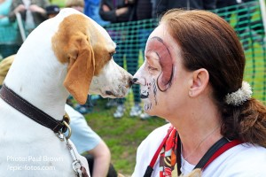 Dotty the English Pointer with owner Coleen face to face at the All Dogs Matter, Great Hampstead Bark Off 2014, London